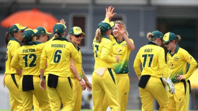 Australia move to top