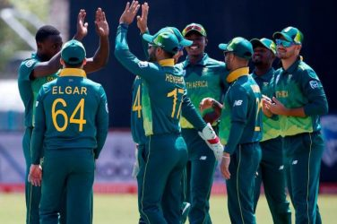 South Africa beat Zimbabwe by 5 wickets