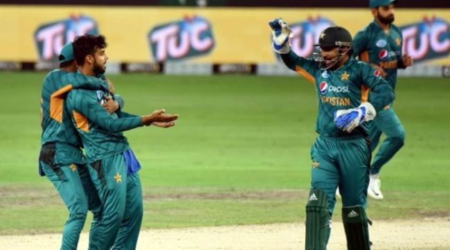 Pakistan extend unbeaten run